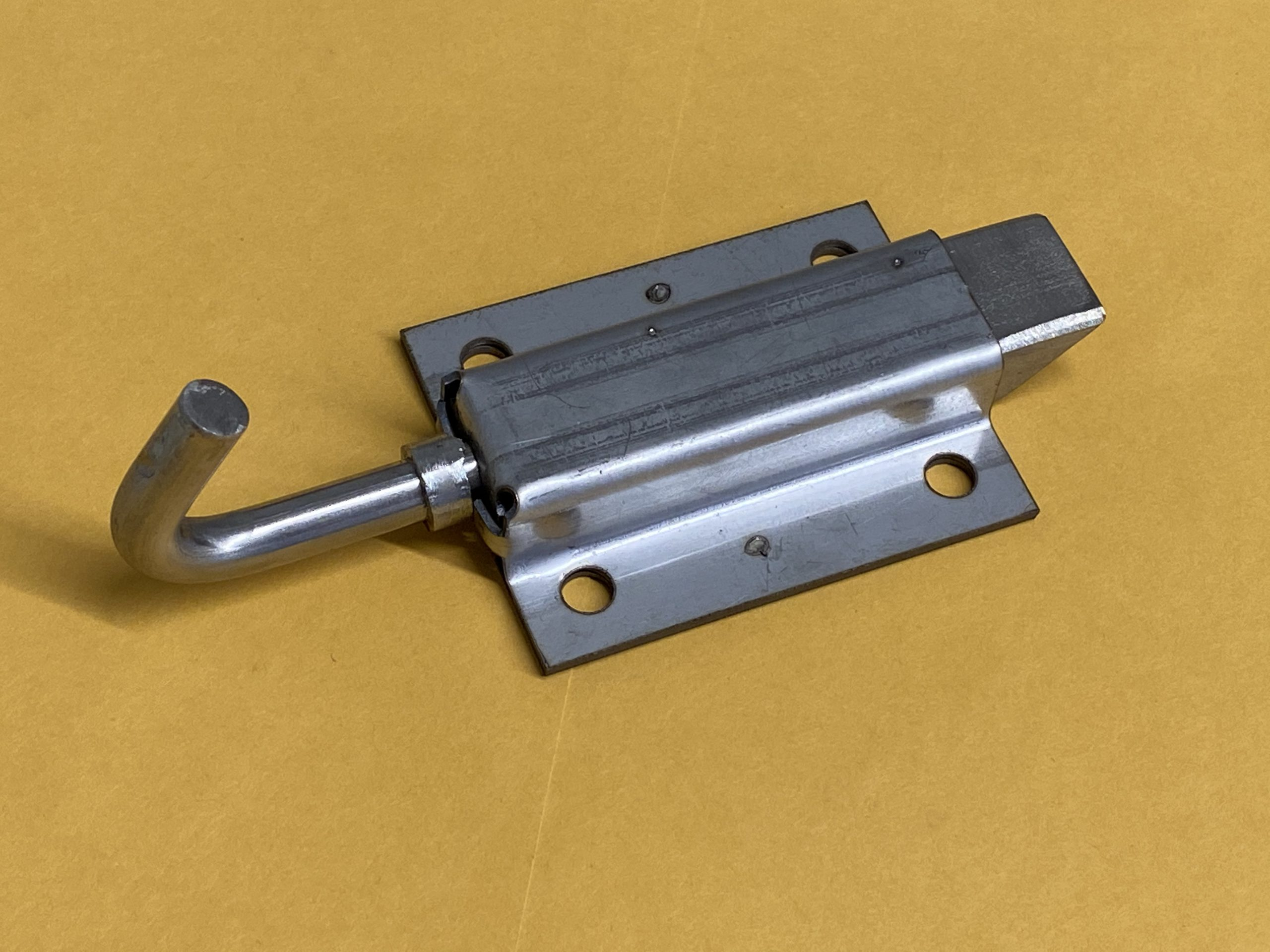 BLUE BIRD</br> BATTERY TRAY LATCH