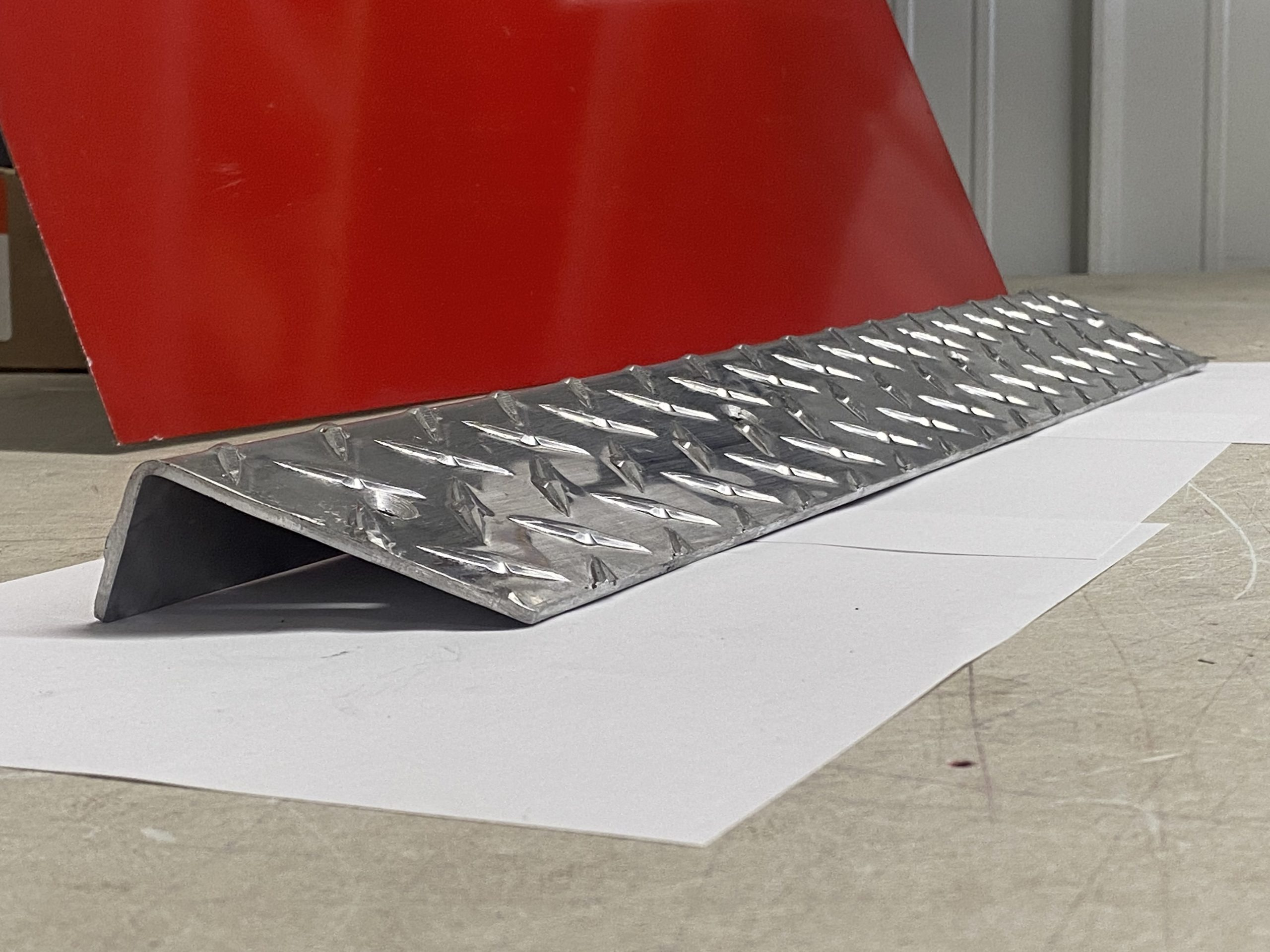 <strong>*NEW ITEM*</strong> Thomas DMD Plate Aluminum Stepwell